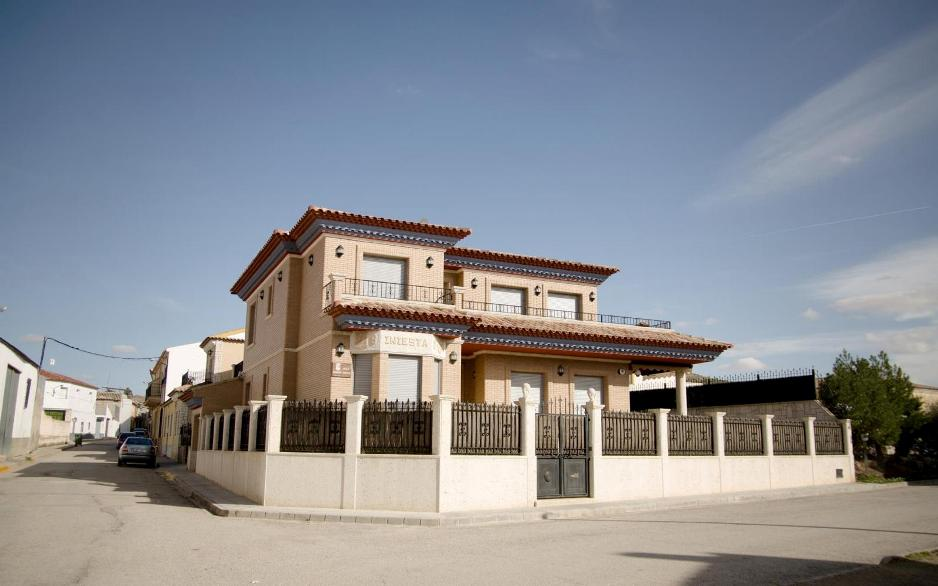 Andres Iniesta home