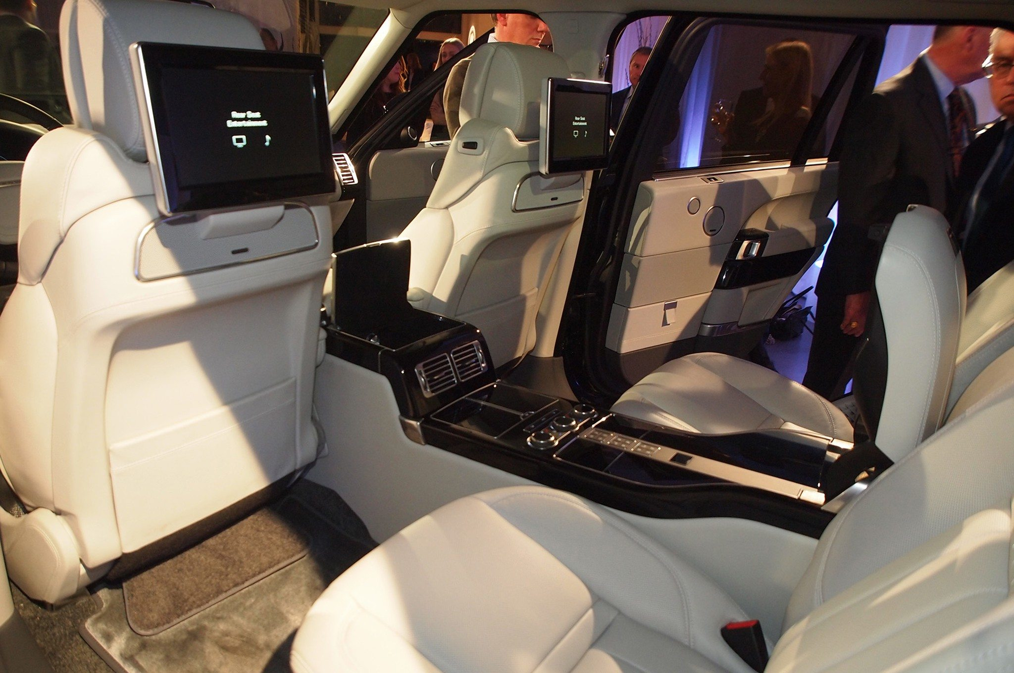 at 200 000 range rover svautobiography is the most. Black Bedroom Furniture Sets. Home Design Ideas