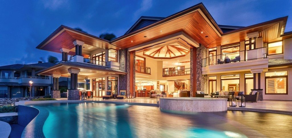 Top 12 most expensive homes of extravagant footballers for Top 10 biggest houses in the world