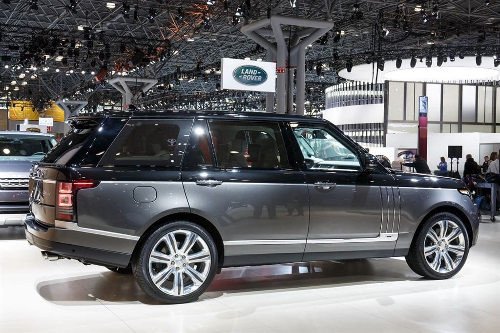 at 200 000 range rover svautobiography is the most expensive range rover ever. Black Bedroom Furniture Sets. Home Design Ideas